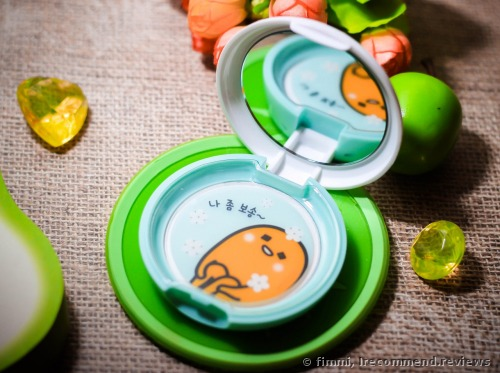 Holika Holika Gudetama Sweet Cotton Sebum Clear Pact Powder