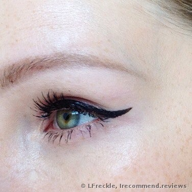 Clinique Pretty Easy™ Liquid Eyelining Pen Eyeliner