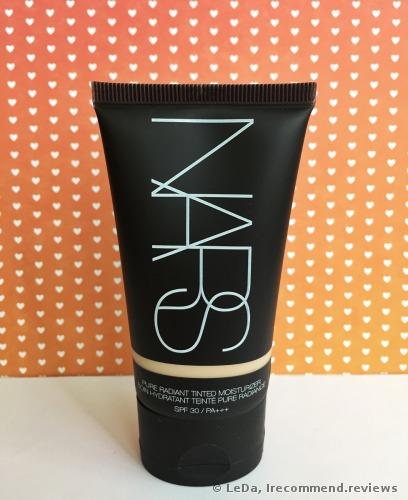 NARS Pure Radiant Tinted Moisturizer SPF 30 / PA+++