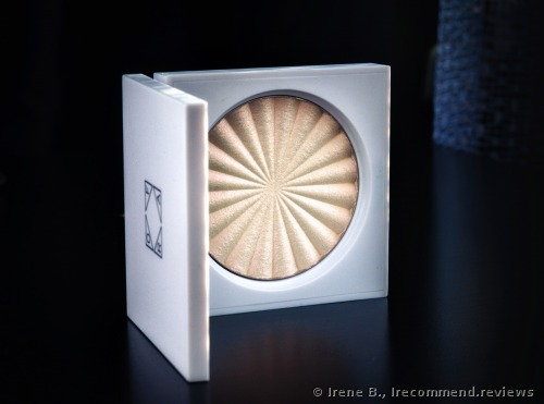 OFRA Cosmetics X Nikkietutorials  Highlighter