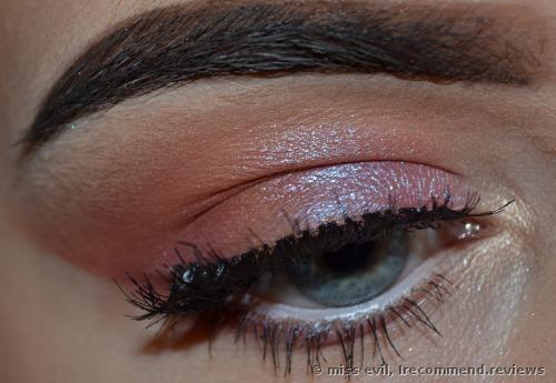 Huda Beauty Desert Dusk Eye Shadow Palette