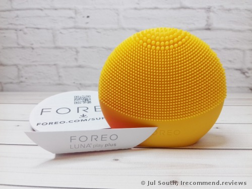 FOREO LUNA play plus Facial Cleansing Brush