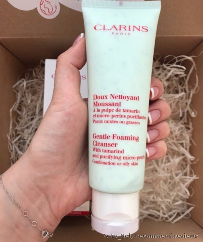 Clarins Gentle Foaming Cleanser with Tamarind and Purifying Micro-Pearls