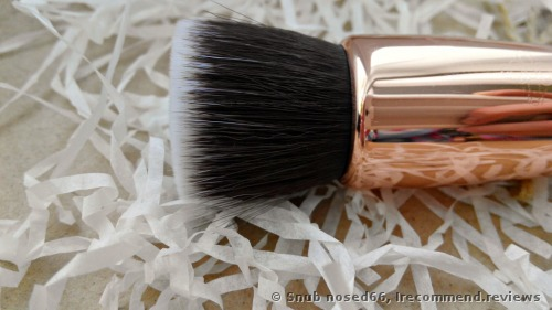 Zoeva 104 Buffer  Face brush