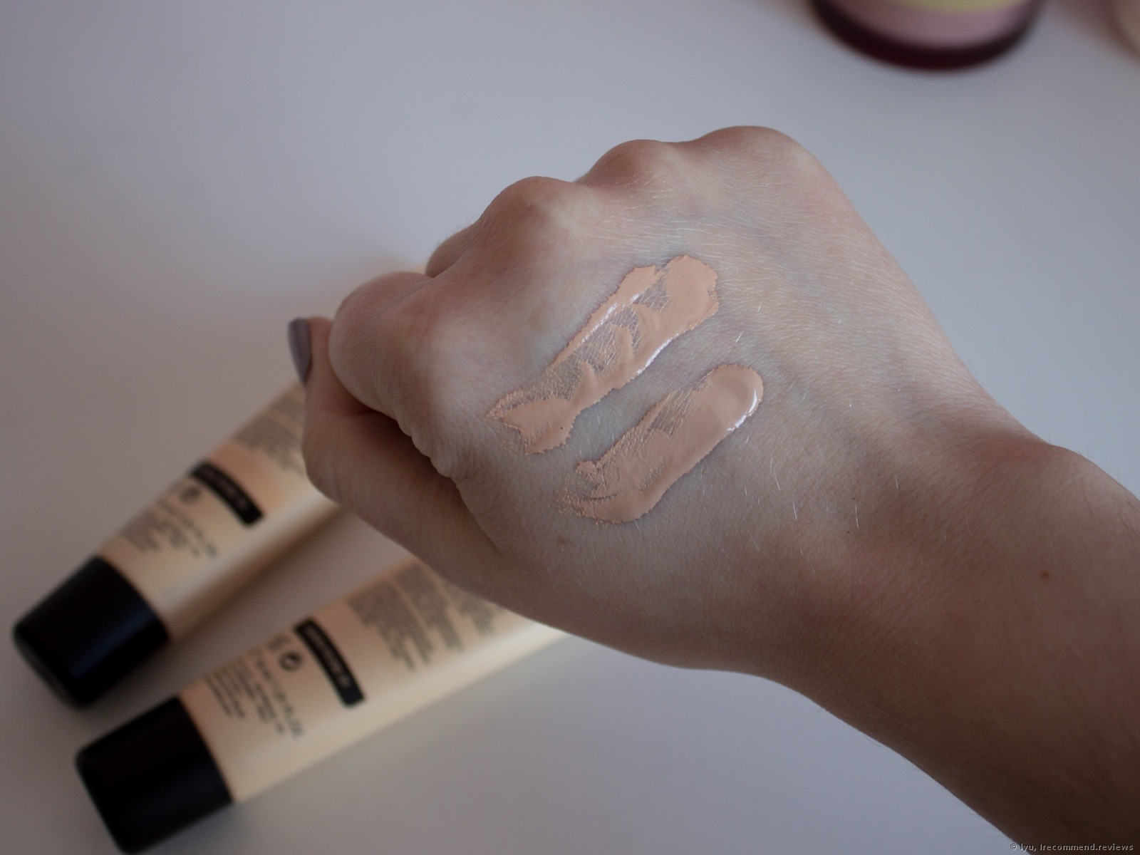 KIKO Milano Smart Hydrating Foundation - «⚡I don't get this ...